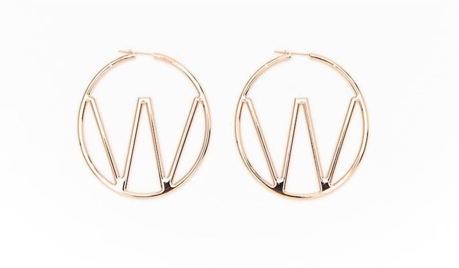 Off-White粉金色耳環,1萬3300元。(Off-White提供)