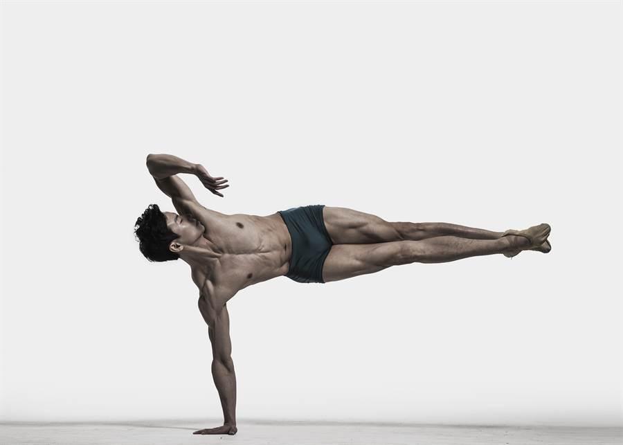 歷經養傷,現任職於韓國環球芭蕾舞團獨舞者的梁世懷,更加了解自己,他首次嘗試編舞,將對芭蕾舞的熱愛編入舞作裡。(梁世懷提供)