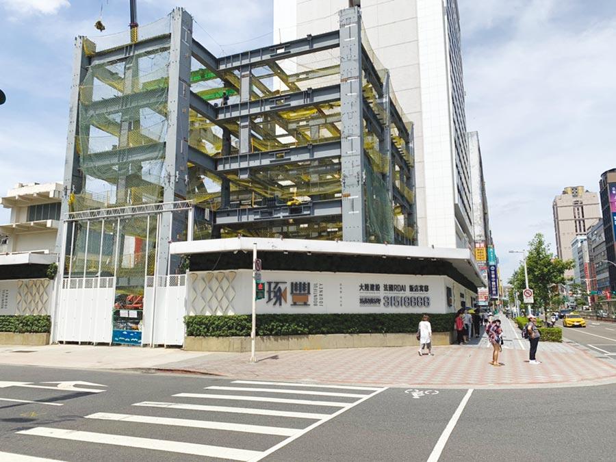 松江路、南京東路角地酒店公寓預售案「琢豐」,採與飯店同棟共構規劃、住會擁飯店俱樂部會員資格、國際設計團隊精裝修空間等優勢特點,創造熱銷旋風。圖/業者提供