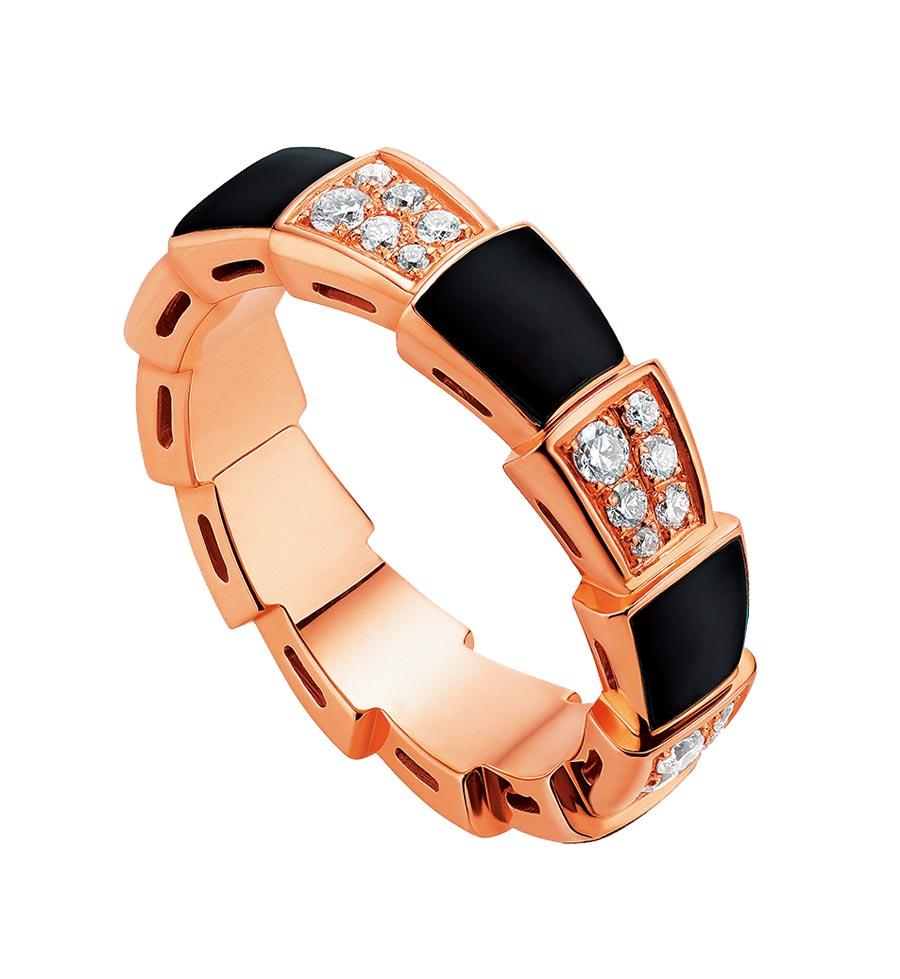 寶格麗SERPENTI VIPER玫瑰金縞瑪瑙鑽石戒指,約14萬2600元。(BVLGARI提供)