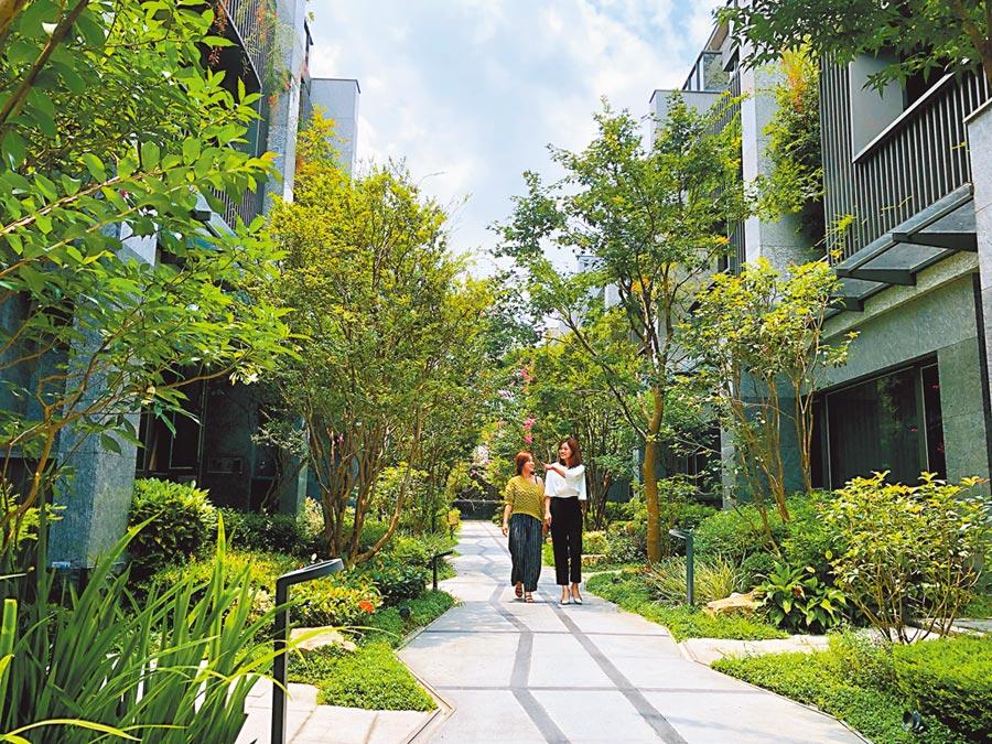 單元二豪墅「朝坤豐簷」完美落成,成為朝坤建設業績代表作。圖/黃繡鳳