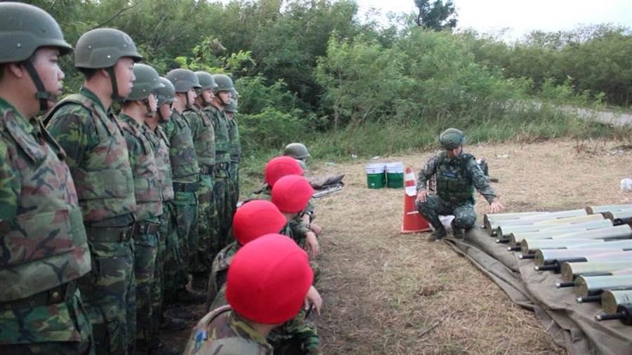 陸軍機步234旅某單位執行戰訓,發現短少20枚步槍彈。(資料照/國防部提供)