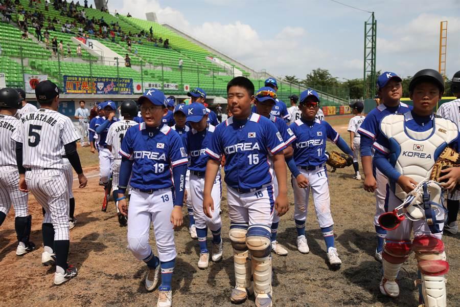 韓國隊以預賽分組第一晉級,不過卻在複賽連吞3敗,無緣冠軍戰。(中華棒協提供)