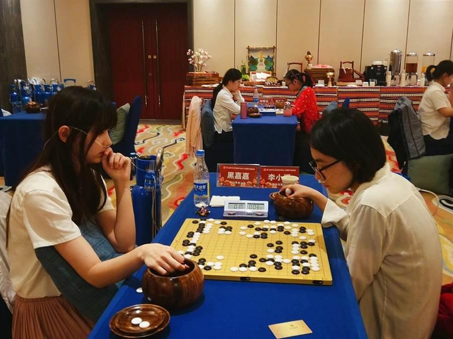黑嘉嘉赴大陸西藏比賽。(圖/取自黑嘉嘉臉書)