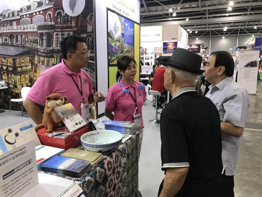 新加坡旅遊業者詢問金門遊程的規畫現況。(縣府提供)