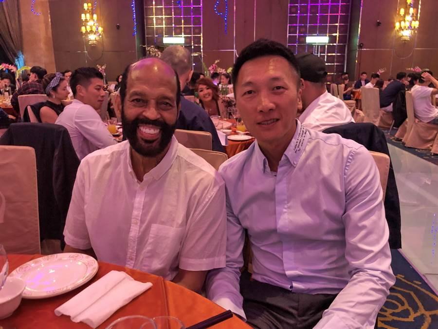 中華隊外籍教練帕克與富邦總教練許晉哲也都出席。(黃及人攝)