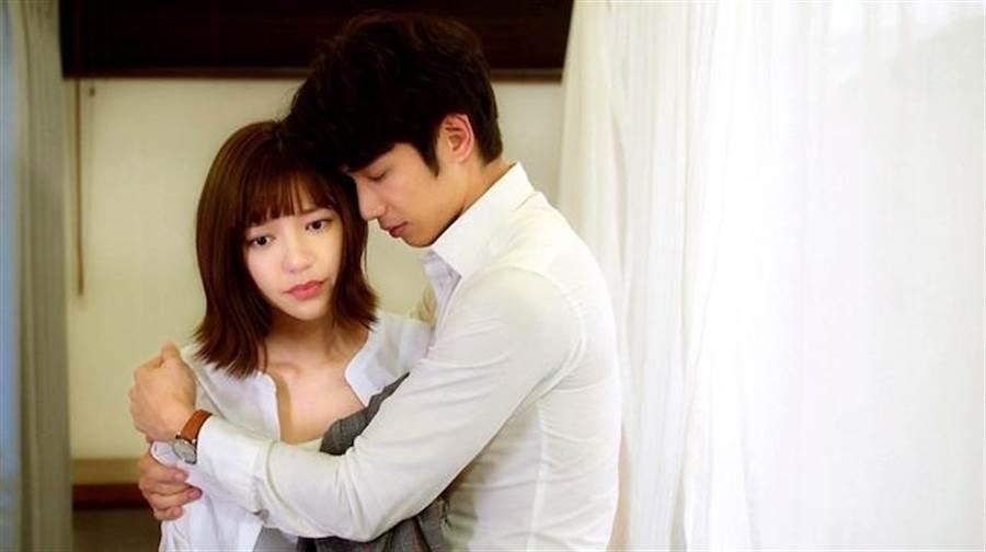 劉以豪劇中苦戀郭雪芙。