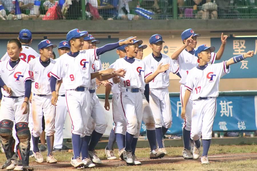 中華隊從落後6分上演逆轉秀,最終以14比6戰勝委內瑞拉,收下複賽3連勝。(中華棒協提供)