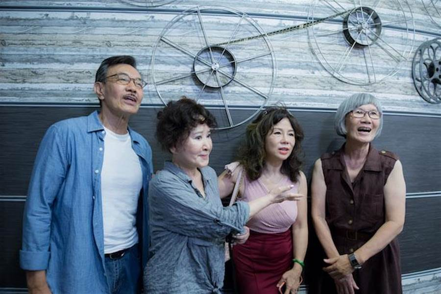 主要演員王道(左起)、唐琪、曹雨婷、張百惠。