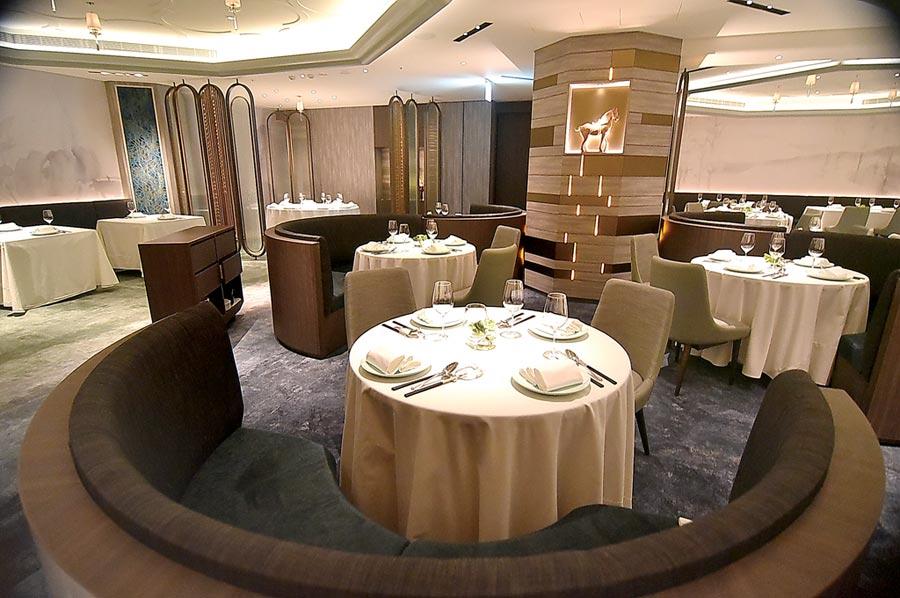 亞都麗緻大飯店館內米其林一星餐廳〈天香樓〉,硬體全面換裝升級,用餐較過去更讓人舒適優雅。圖/姚舜