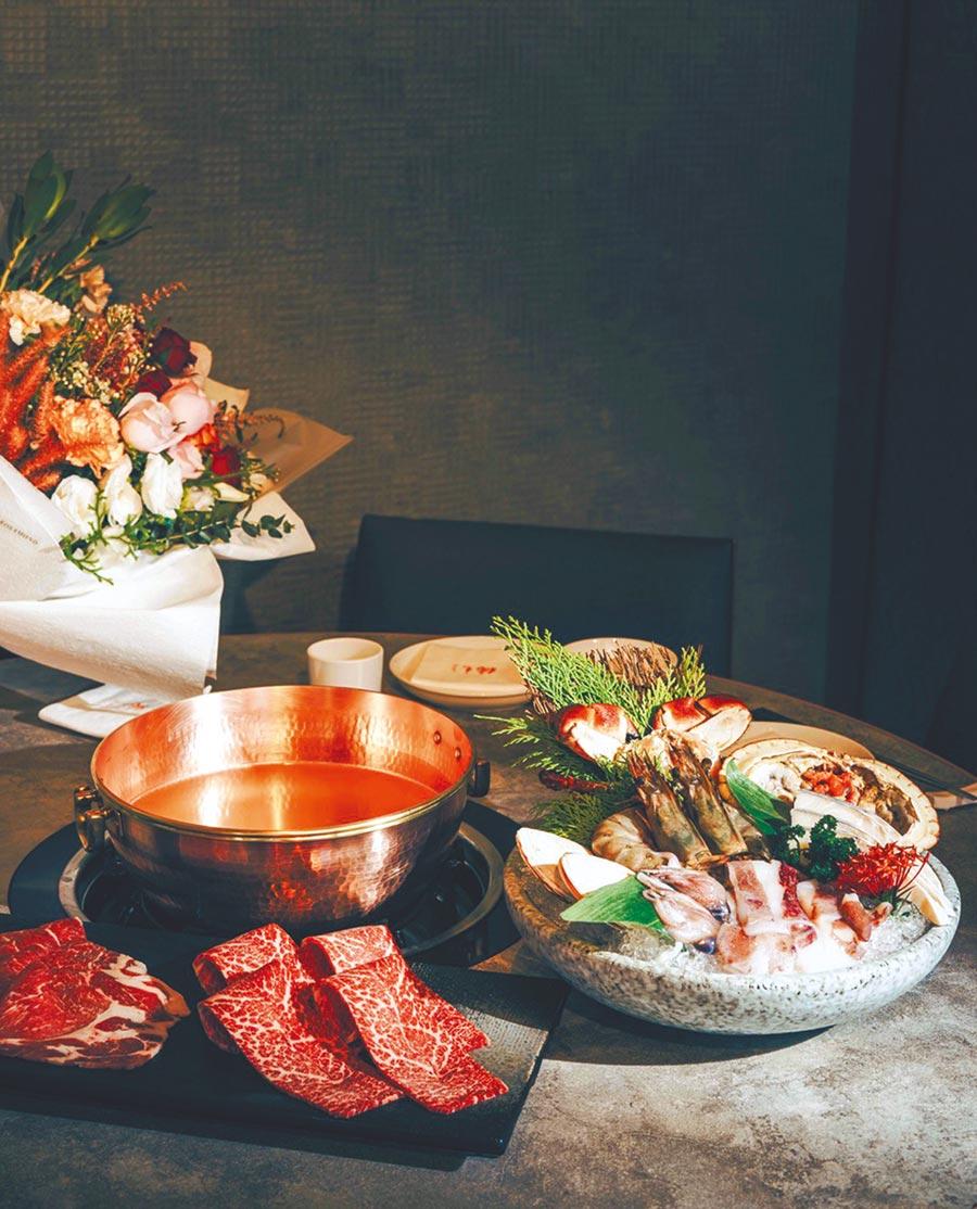 「橘色涮涮屋」推出戀人專屬限量套餐,也首度合作花藝品牌打造聯名花禮,並提供代訂代送花禮服務。(橘色餐飲集團提供)