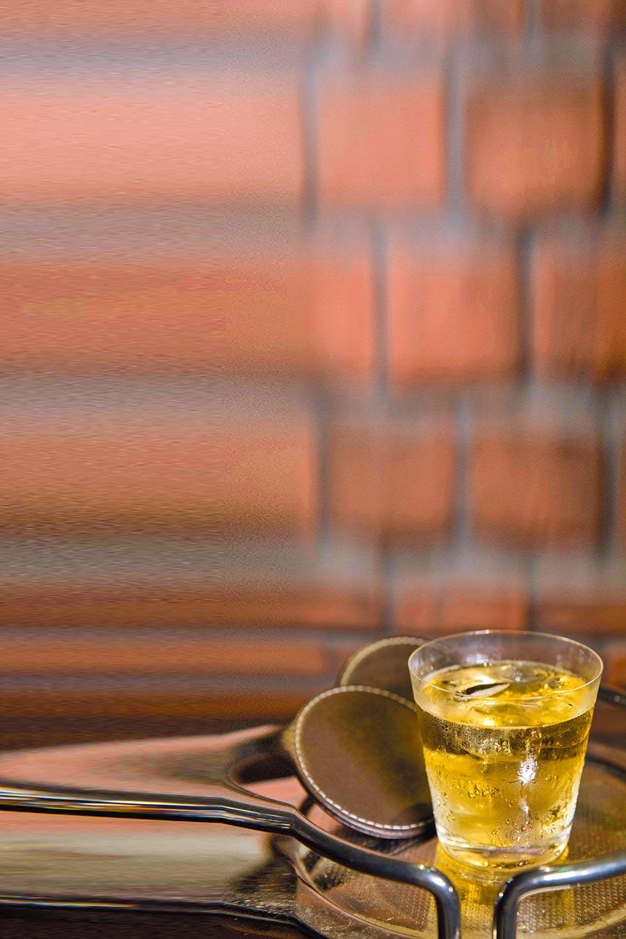 Highball在家也能自己輕鬆調,是所有調酒裡面最容易上手的一款。
