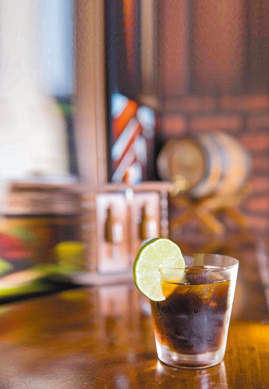 調酒來源取得容易,也讓自由古巴這隻調酒紅了100多年。
