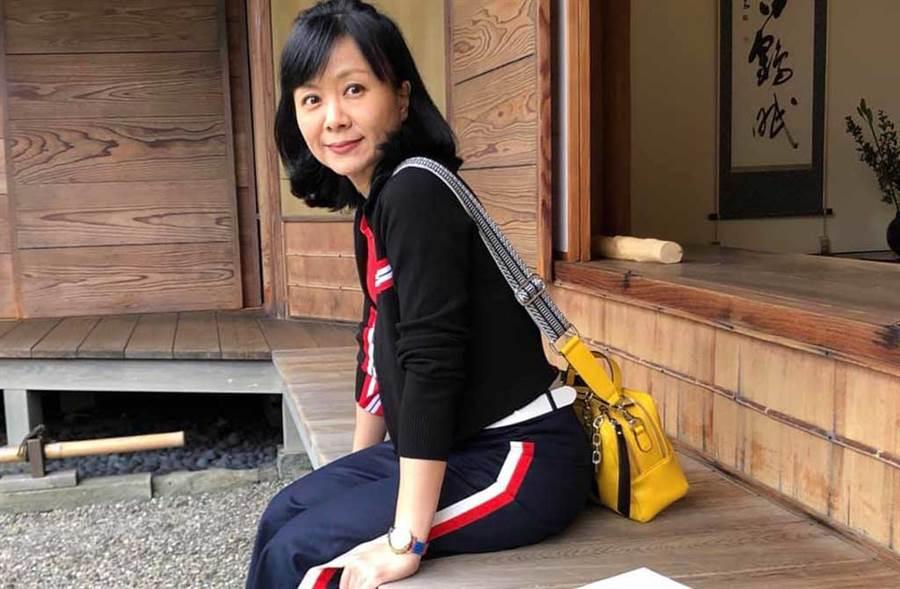 名嘴王時齊透露真正傷她的,是被護理師喊「阿姨」。(翻攝自王時齊臉書)