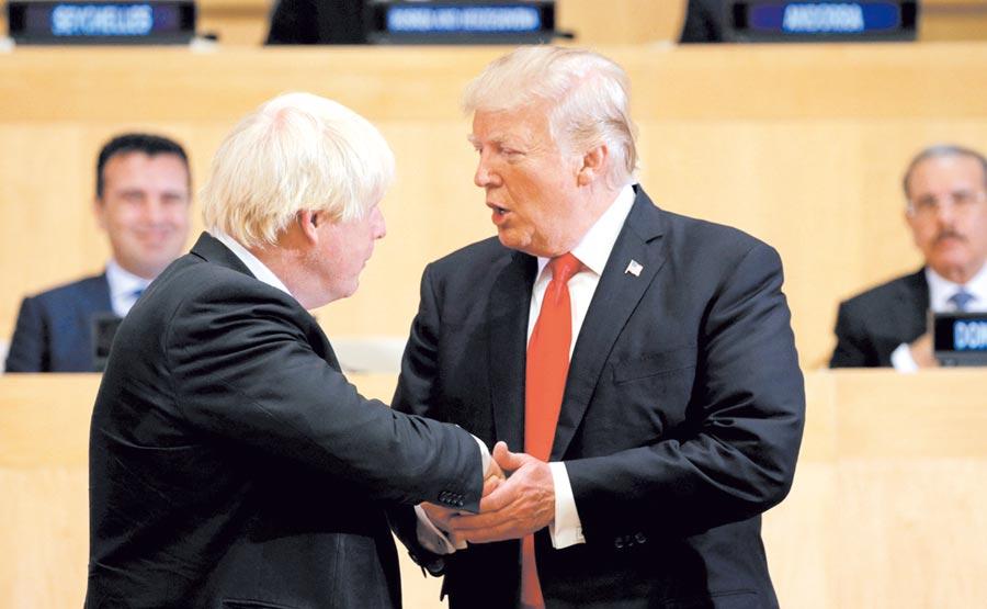美國總統川普(右起)、英國首相強生(Boris Johnson)。圖/路透