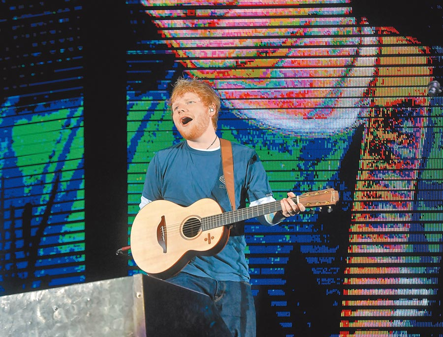 紅髮艾德今年4月曾在桃園市立田徑場舉行演唱會,當時吸引2.5萬人朝聖。圖片中時資料庫