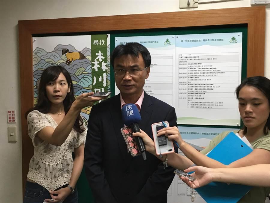 農委會主委陳吉仲表示,未來80萬公頃農地只要農地農用,即給予每公頃1萬元金額給付,最快下半年實施。(游昇俯攝)
