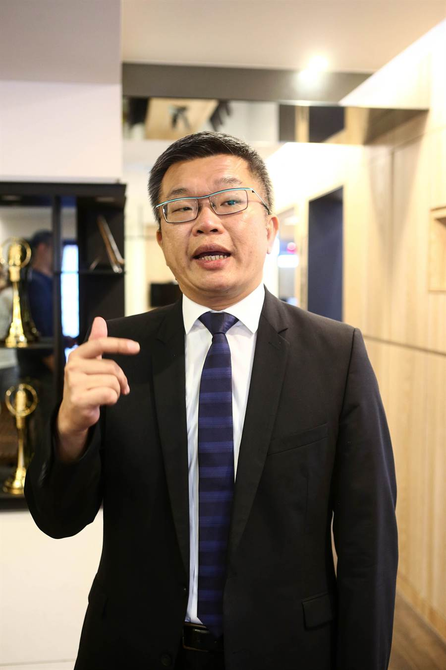立法院副院長蔡其昌認為,陳柏惟對上顏寬恆是相當艱困的選戰,但年輕人就是要挑戰困難,他還是很看好陳柏惟。(鄧博仁攝)