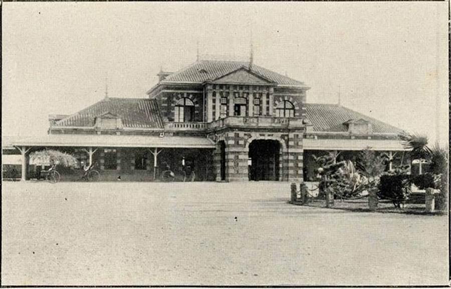 第二代台北車站(圖片取自/PTT 網友mnhyuiop)