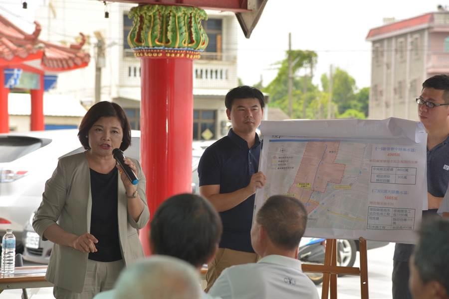 雲林縣長張麗善(左)爭取4600萬元改善口湖地區抽水站,打造安全家園。(張朝欣攝)