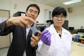 興大材料系團隊拚突破 研發可自癒的電子皮膚