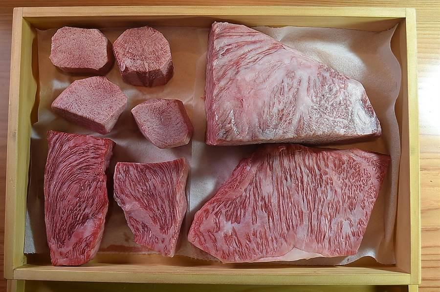 〈樂軒和牛割烹〉第一波菜單中的肉餚主要以日本姬路A5級和牛的羽下肉、紐約客和臀肉上蓋為主要食材。(圖/姚舜)