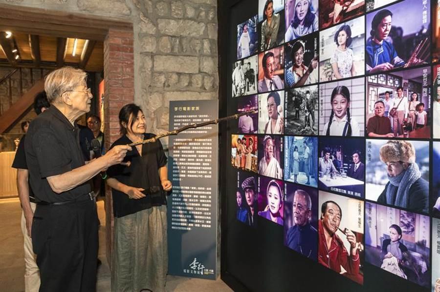 「行影.不離─李行電影文物展」,讓大眾跟著李行從影七十年生涯,細看臺灣電影歷史。圖/國影中心