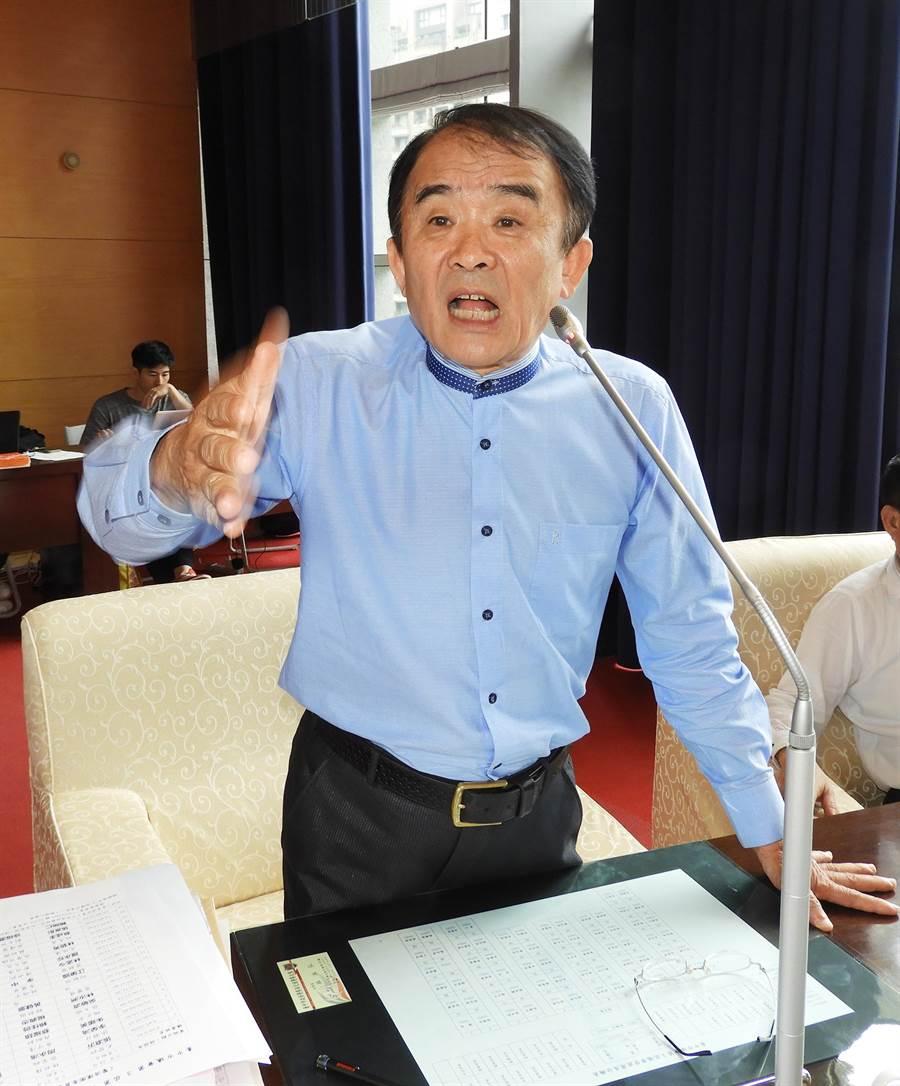 市議員段緯宇平常在市議會中,問政不僅鏗鏘有力,特別是對不公不義的陳情案,更是據理力爭贏得選民讚賞。(陳世宗攝)