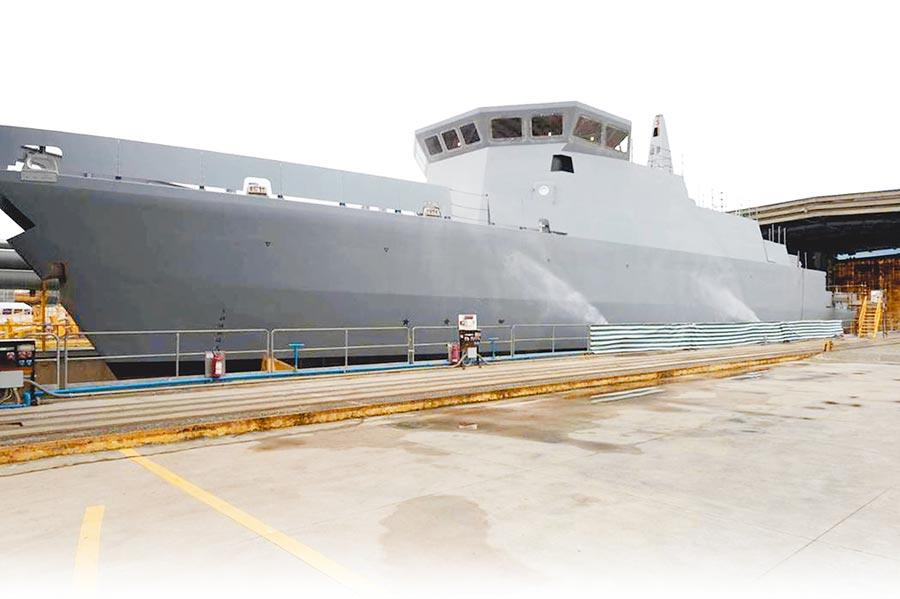 慶富案爭議許久、醜聞不斷,圖為慶富公司去年發表在義大利Intermarine造船廠順利下水的獵雷艦(慶富提供)。