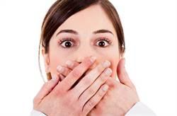 打嗝打3天不停 醫手指插患者肛門...30秒就見效