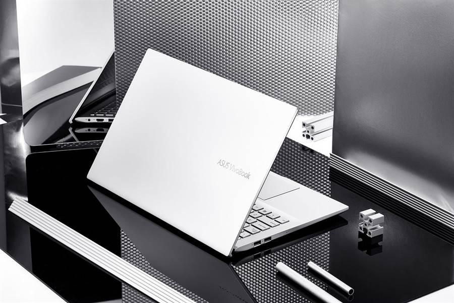 ASUS VivoBook S15,定價3萬4900元起。(華碩提供)