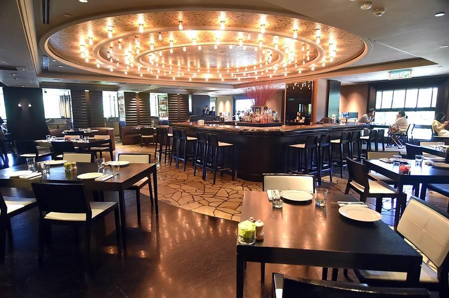 台北君悅酒店〈Ziga Zaga〉,是台北最老字號五星義大利餐廳。(圖/姚舜)