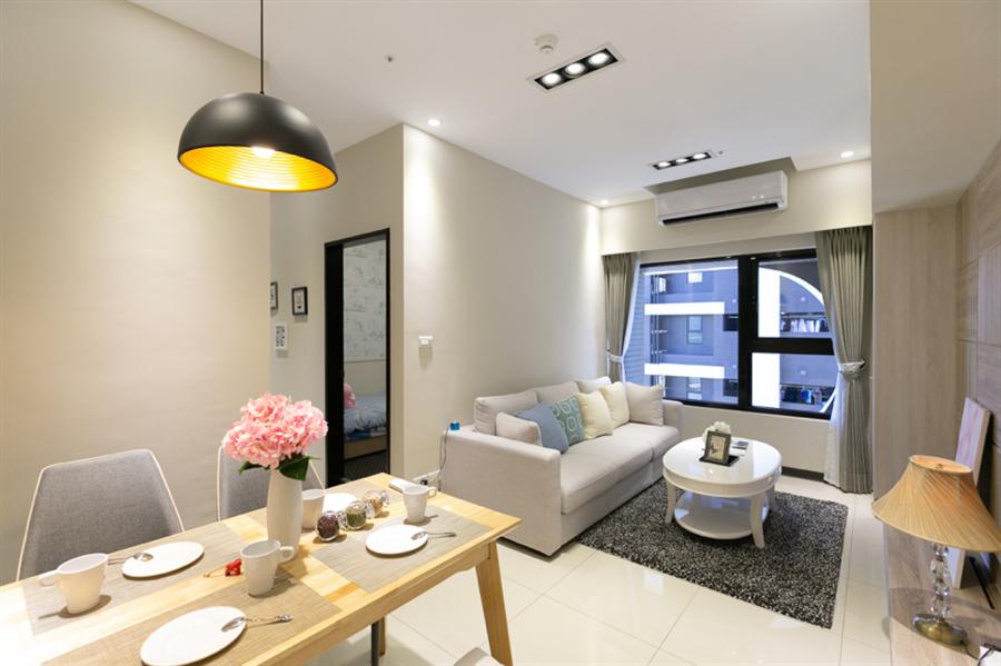 三房總價1,098萬起,附車位及輕裝潢。圖/易繼中攝。