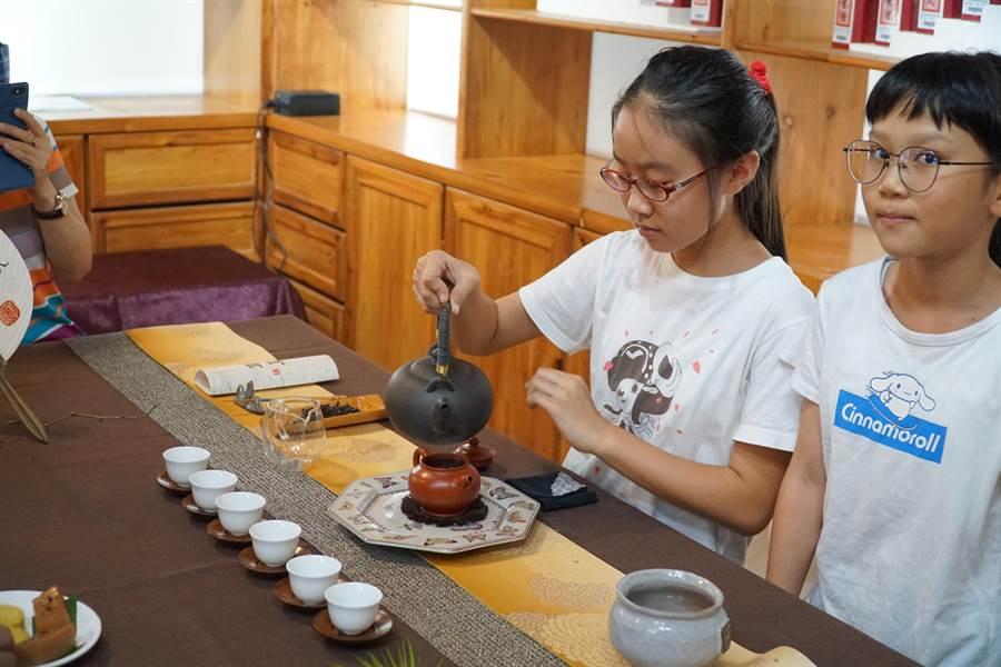 北埔鄉公所10、11日將舉辦膨風茶節活動,邀請民眾前往識茶、品茶。(莊旻靜攝)