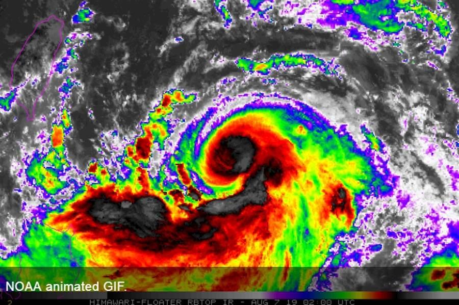中度颱風利持續增強中,靠近台灣時恐達中颱上限甚至變為強颱 (圖/翻攝自NOAA)
