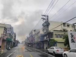 影》颱風閃電不斷 高壓電線被擊落起火