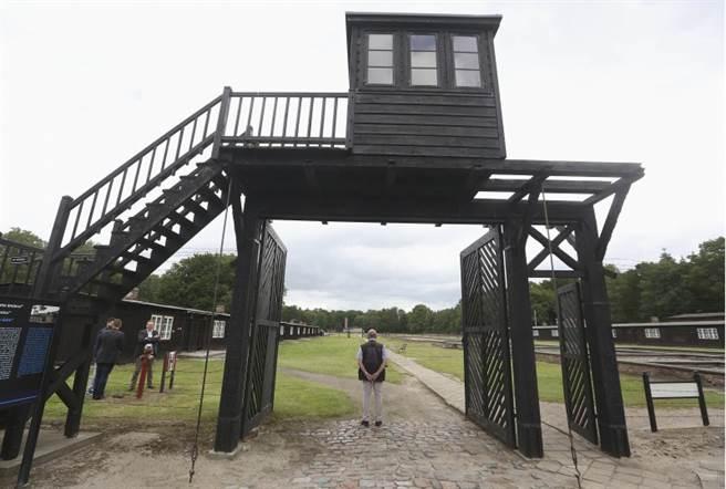 施圖特霍夫集中營位在波蘭,它也被保留下來成為歷史記憶,提醒人們曾經的傷痛。(圖/美聯社)