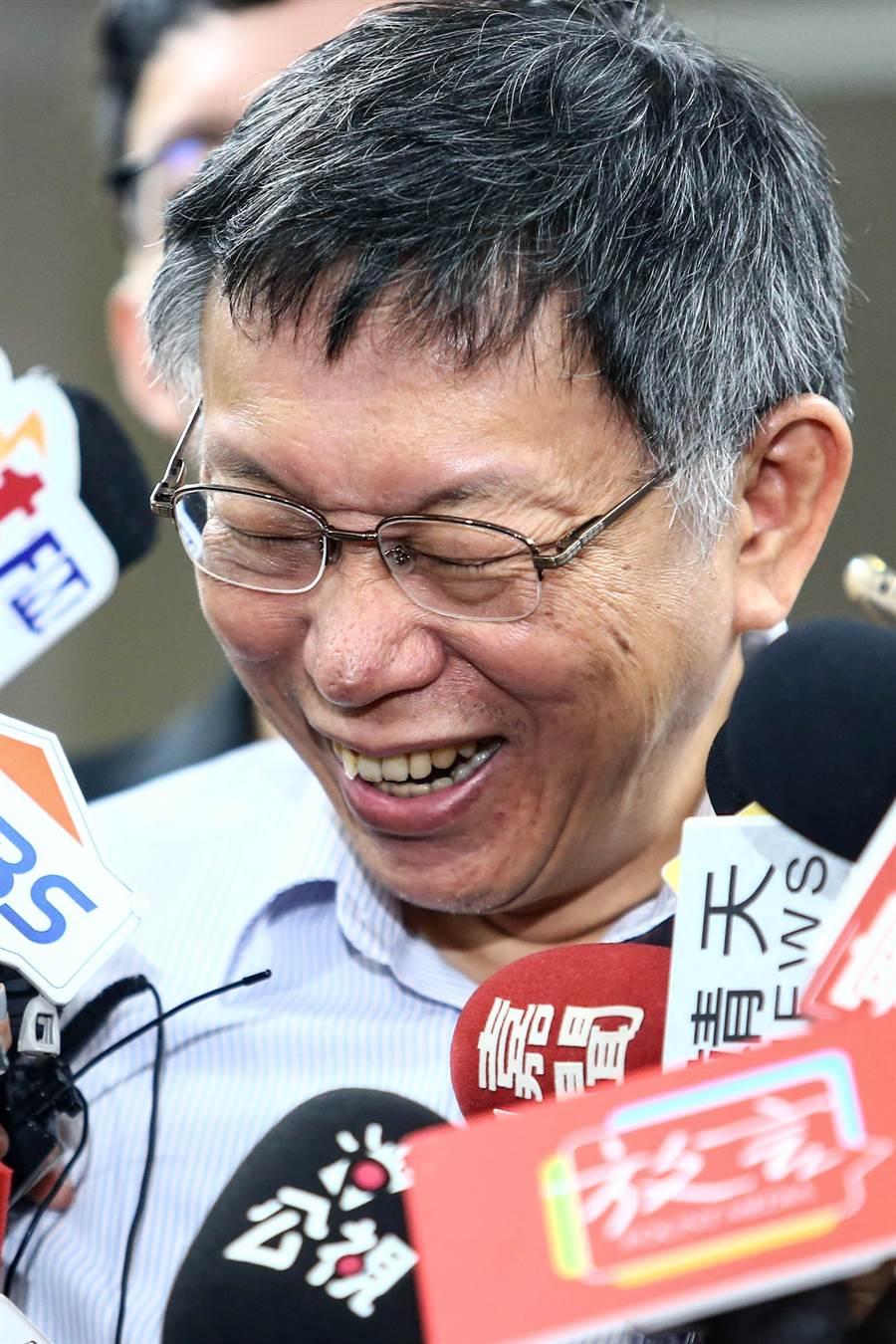 台北市長柯文哲今早接受媒體訪問。(鄧博仁攝)