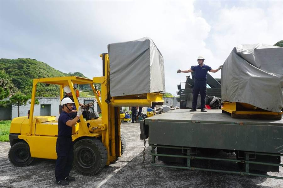 強颱逼近 國軍整備警戒待命。(圖/國防部提供)