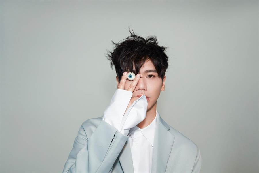 蔡旻佑今年加盟新東家何樂音樂,將推出全新大碟《變心記》。(何樂音樂提供)