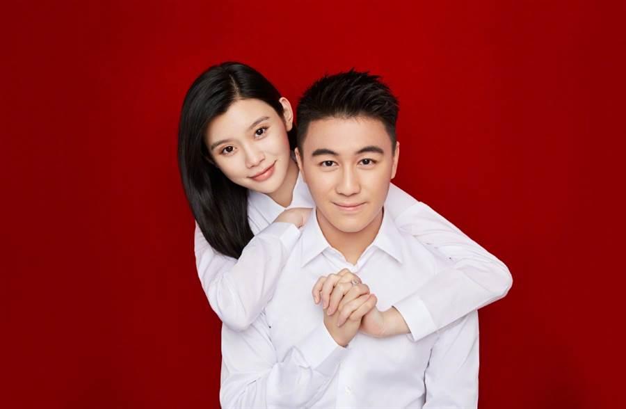 奚夢瑤上月和何猷君登記結婚。(圖/翻攝自Ming奚夢瑤微博)