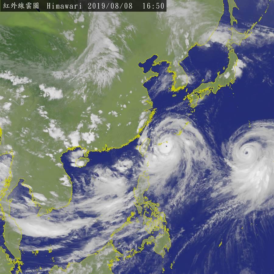 氣象局下午4時50分發布最新衛星雲圖。(圖擷自氣象局)