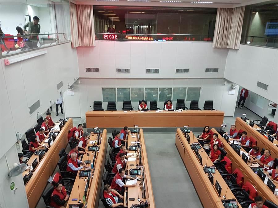 中央災害應變中心下午舉行第4次工作會報,由內政部長徐國勇主持。(葉書宏攝)