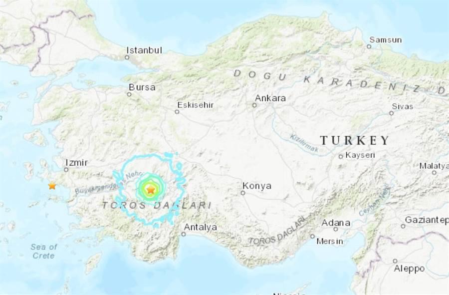 土耳其一天內發生兩起地震,一部在愛琴海邊的伊茲密爾,一處在內陸,在內陸代尼茲利的地震達到5.8級。(圖/美國地調所)