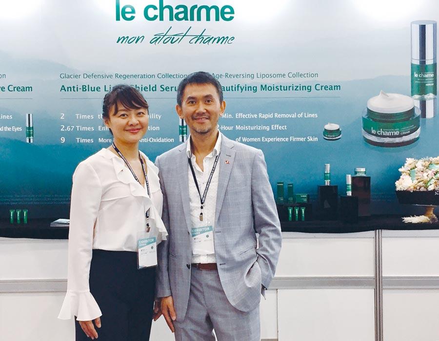 富日國際總經理郭耀文(右)與副總經理石燕靜。圖/江偉琳