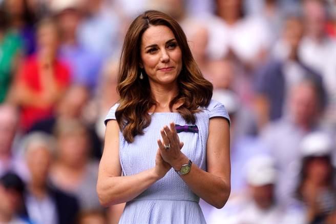 睽違11年,英國凱特王妃一雙美腿再次重現世人眼前,令粉絲相當驚喜。圖為凱特資料照。(圖/TPG、達志影像)