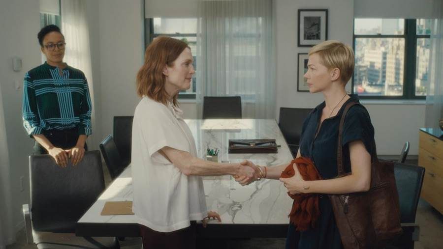 茱莉安摩爾(左)指定蜜雪兒威廉絲飆戲。(CATCHPLAY提供)