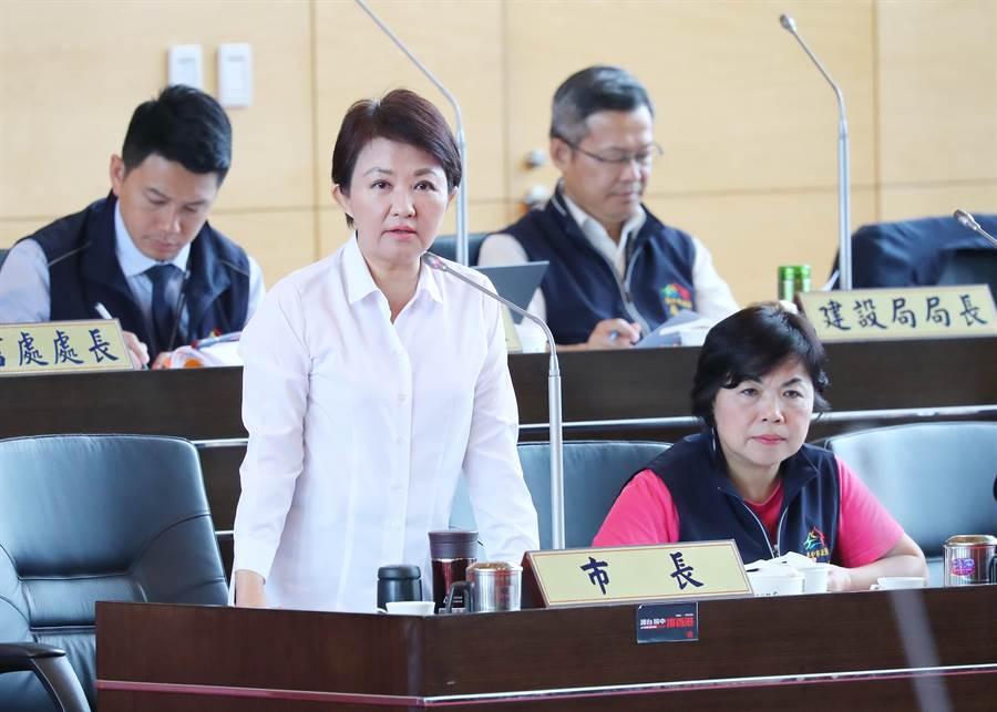 利其馬颱風掃過台灣,台中市長盧秀燕的精準決策讓她在這門颱風假政治學獲得學分。(盧金足攝)