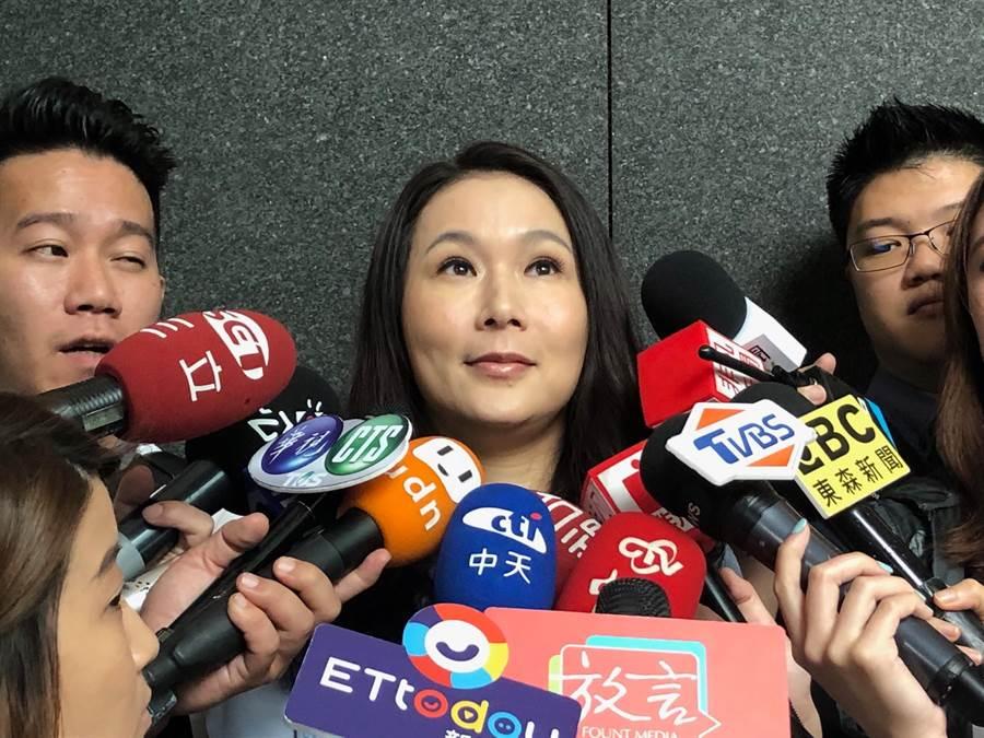 郭台銘核心幕僚劉宥彤接受媒體訪問。(資料照)