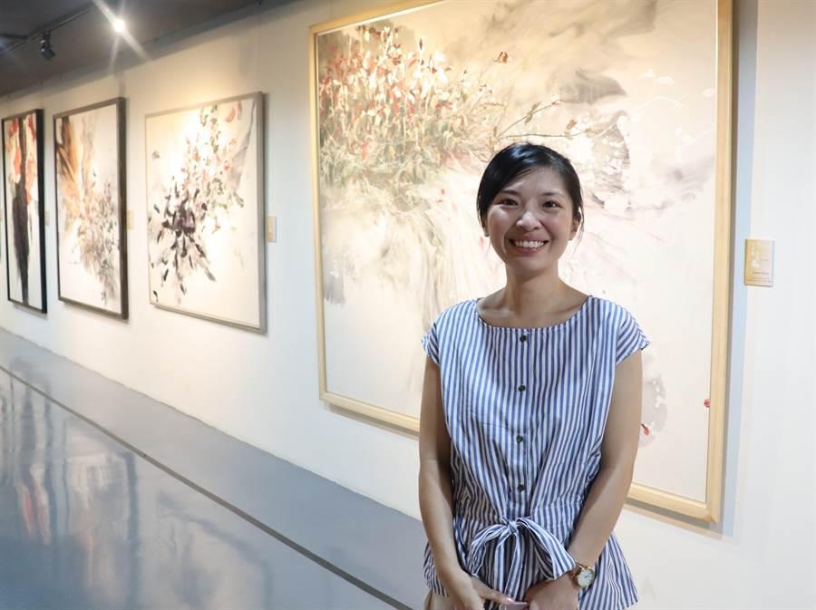 受到日本畫風影響,陳芃宇許多畫作都是大尺寸作品。(劉秀芬攝)
